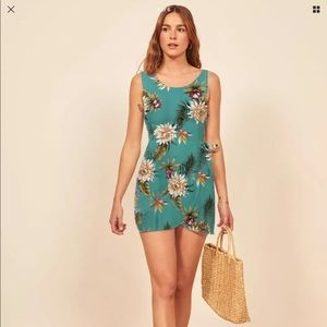 Tropical Hawaiian Print Dress Reformation style